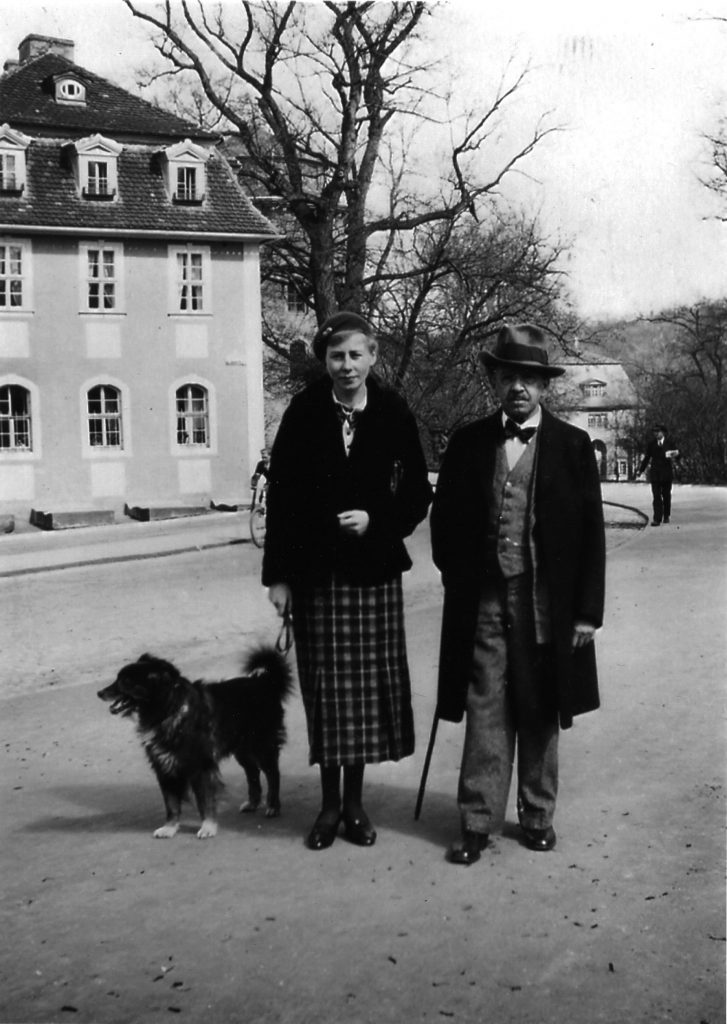 Eva Mühlbächer und Gustav Lewin am Ilmpark